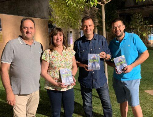 Francesc Latorre presenta amb èxit el llibre 'Cop de teatre' a Juneda