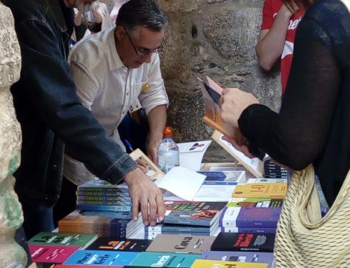 Ramon Tremosa i Paco Ermengol signen a la Fira del Llibre del Pirineu